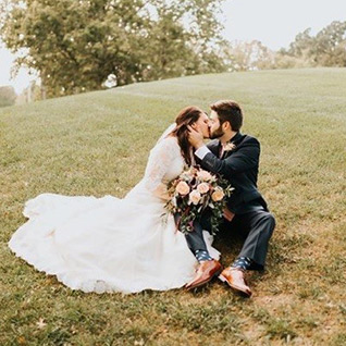 Wedding couple at Old Hickory Golf Club